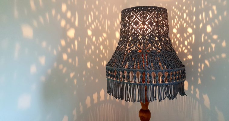 (z)ręczna lampa